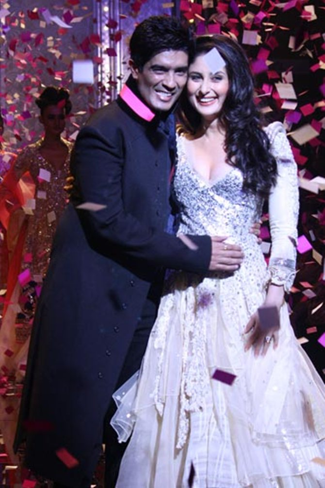 Kareena Kapoor with designer friend Manish Malhotra
