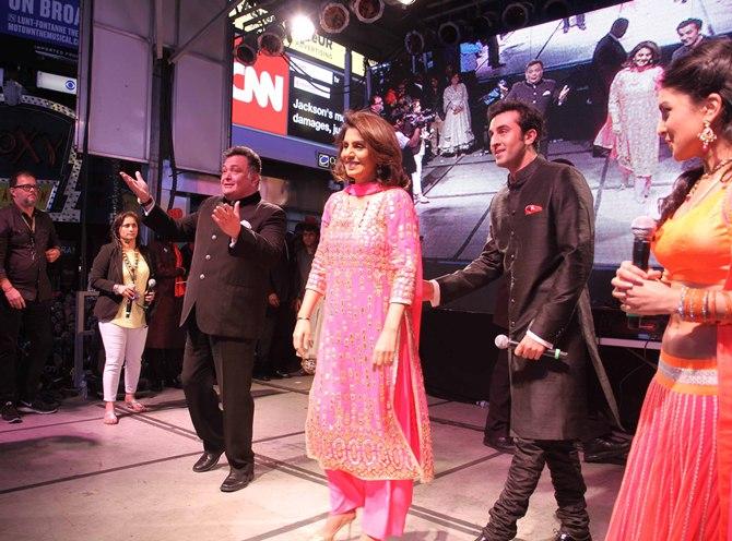 Rishi, Neetu, Ranbir Kapoor and Pallavi Sharda