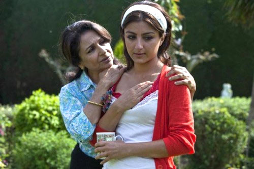 Sharmila Tagore and Soha Ali Khan in Life Goes On