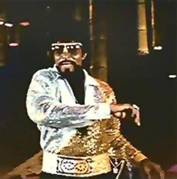 Amitabh Bachchan in Desh Premee