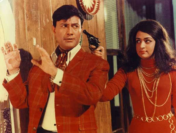 Dev Anand and Hema Malini in Johny Mera Naam