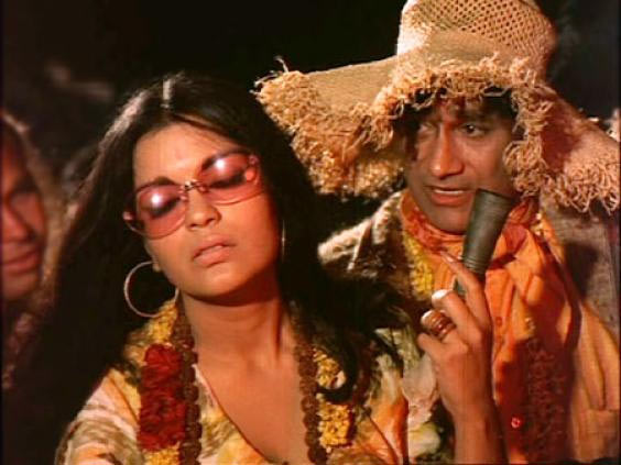 Zeenat Aman and Dev Anand in Hare Rama Hare Krishna
