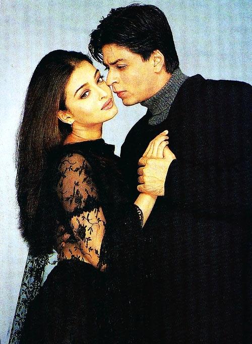Shah Rukh Khan and Aishwariya Rai Bachchan in Mohabbatein