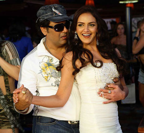 Govinda with Esha Deol in Money Hai Toh Honey Hai
