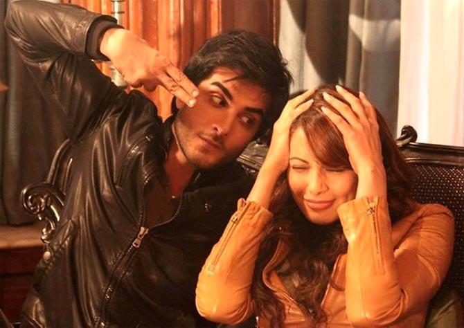 Imran Abbas and Bipasha Basu on the sets of Creature