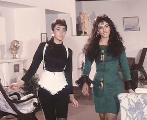 Karisma Kapoor and Raveena Tandon in Andaz Apna Apna