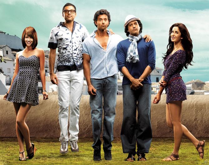 Kalki Koechlin, Abhay Deol, Hrithik Roshan, Farhan Akhtar and Katrina Kaif in Zindagi Na Milegi Dobara