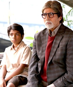 Parth Bhalerao and Amitabh Bachchan in Bhoothnath Returns