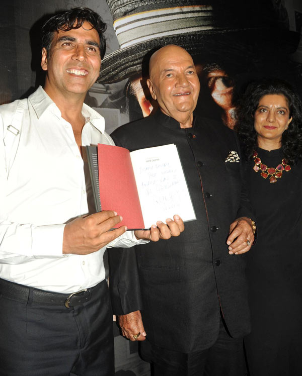 Akshay Kumar, Prem Chopra and Rakita Nanda