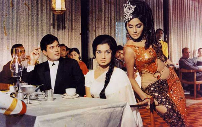 Bindu with Rajesh Khanna and Asha Parekh in Kati Patang