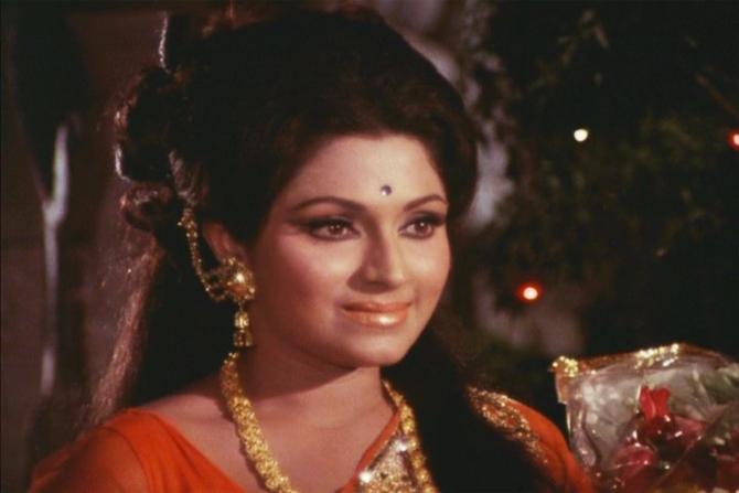 Bindu in Abhimaan