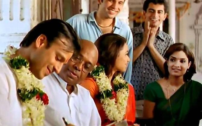 Vivek Oberoi, Rani Mukerji and Sandhya Mridul in Saathiya