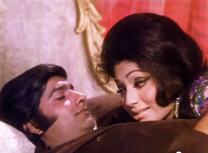 Anil Dhawan and Bindu in Hawas