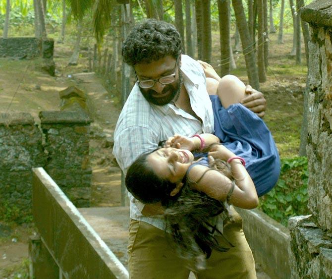 Baby Sadhana and Ram in Thanga Meenkal