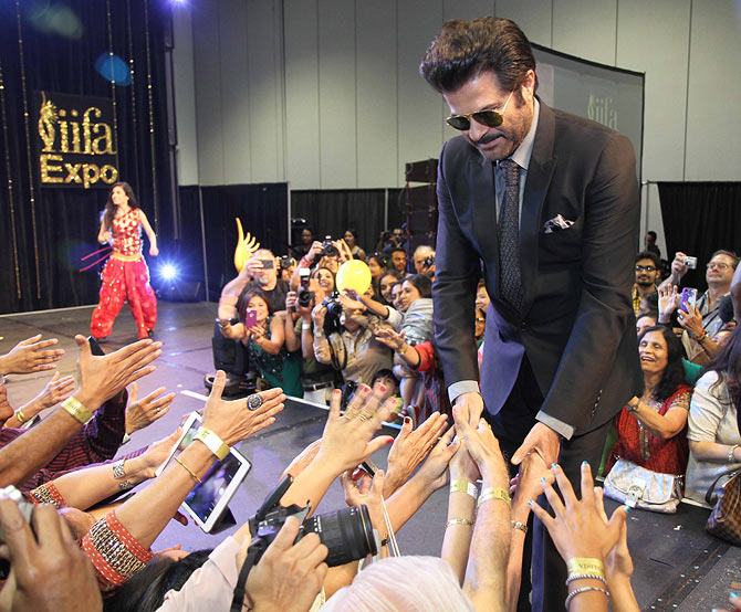 Anil Kapoor greet the people of Florida
