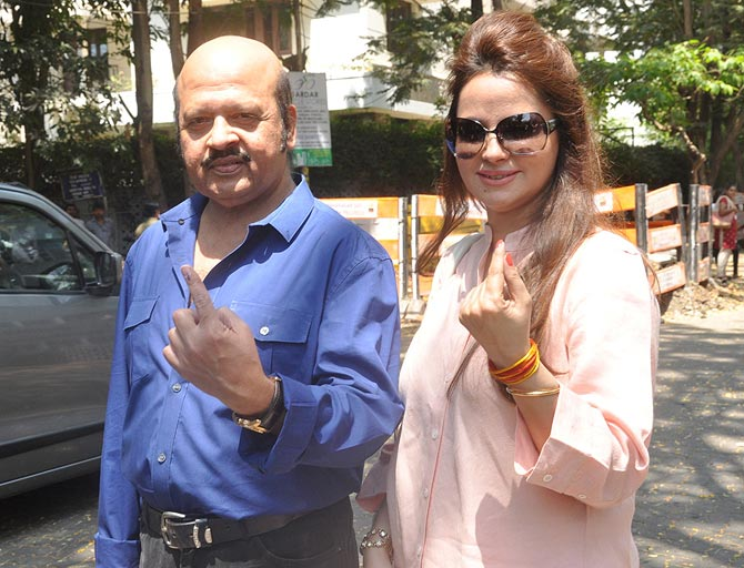 Rajesh Roshan with wife