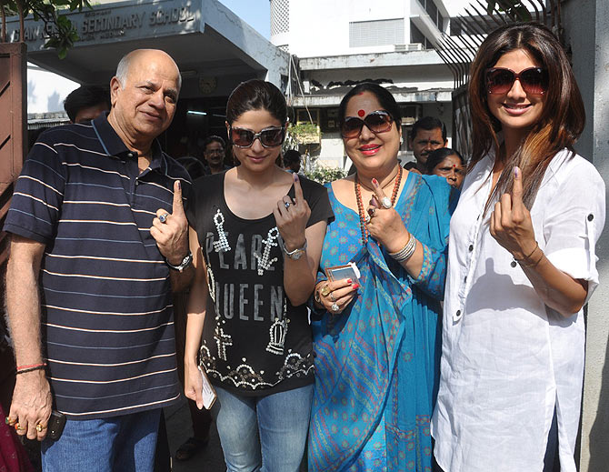 Surendra, Shamita, Sunanda and Shilpa Shetty