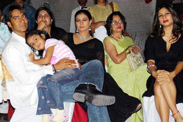Ajay Devgn, Kajol, Tanuja, Tanishaa