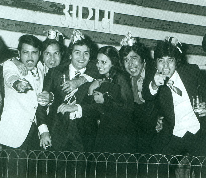 Rakesh Roshan, Prem Chopra, Rishi Kapoor, Neetu Singh, Sujit Kumar and Jeetendra on New Year's Eve.