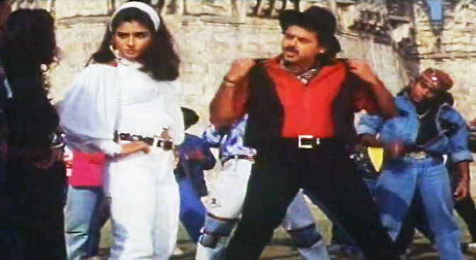 Raveena Tandon and Venkatesh in Taqdeerwala