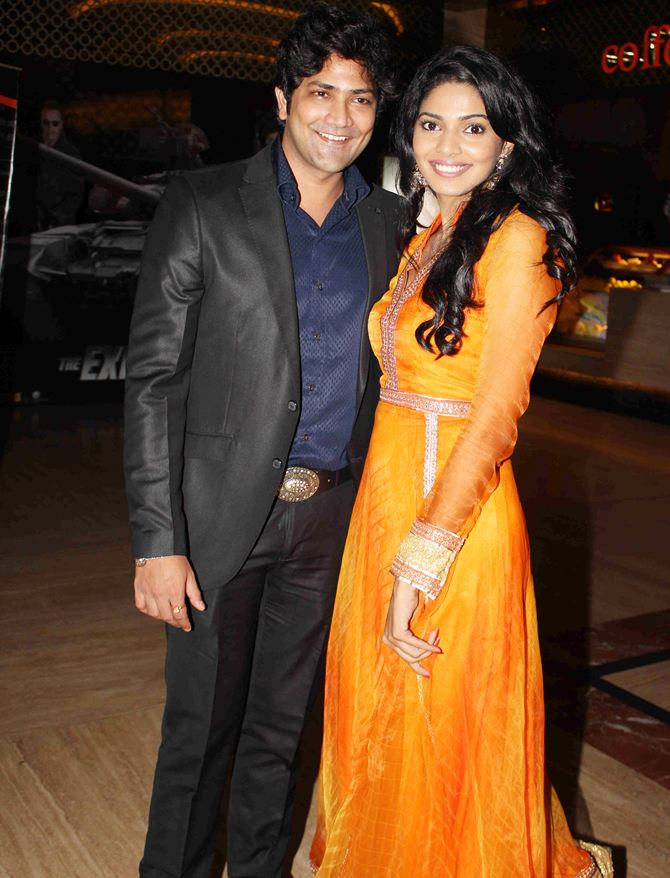 Aniket Vishwasrao and Pooja Sawant