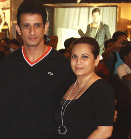 Sharman Joshi and Mansi Joshi Roy