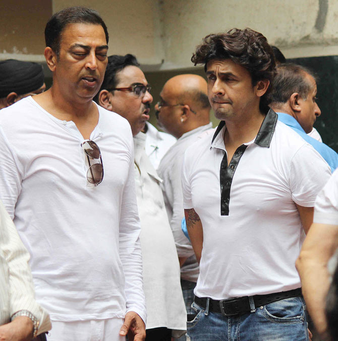 Vindoo Dara Singh and Sonu Nigam