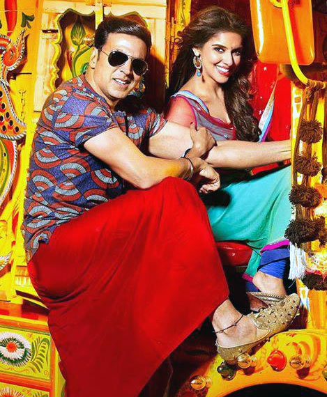 Akshay Kumar with Asin in Khiladi 786