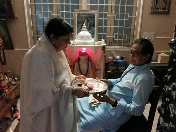 Lata Mangeshkar with her brother Hridaynath Mangeshkar