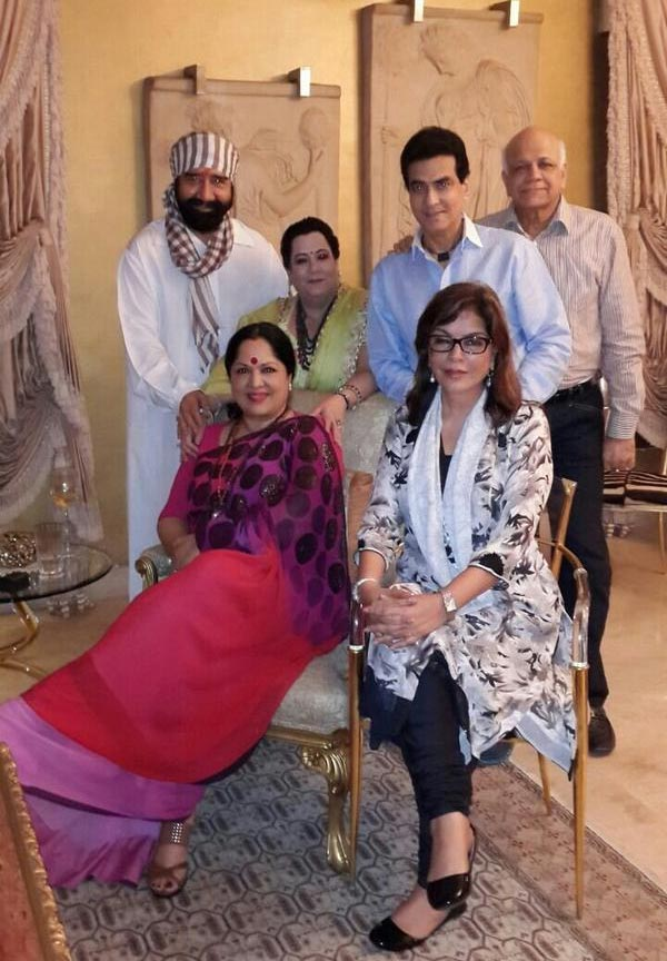 Zeenat Aman, Jeetendra, Shobha Kapoor, Sunanda and Surendra Shetty with G S Bawa
