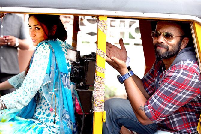 Kareena Kapoor and Rohit Shetty in Singham Returns