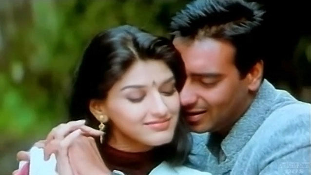 Sonali Bendre with Ajay Devgn in Major Saab