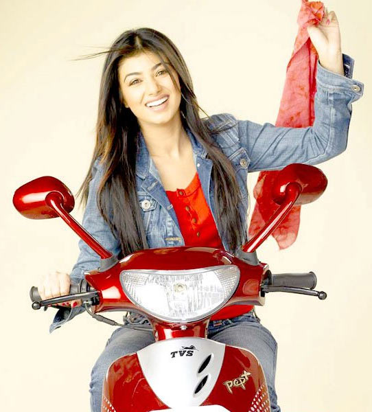 Ayesha Takia in Sunday