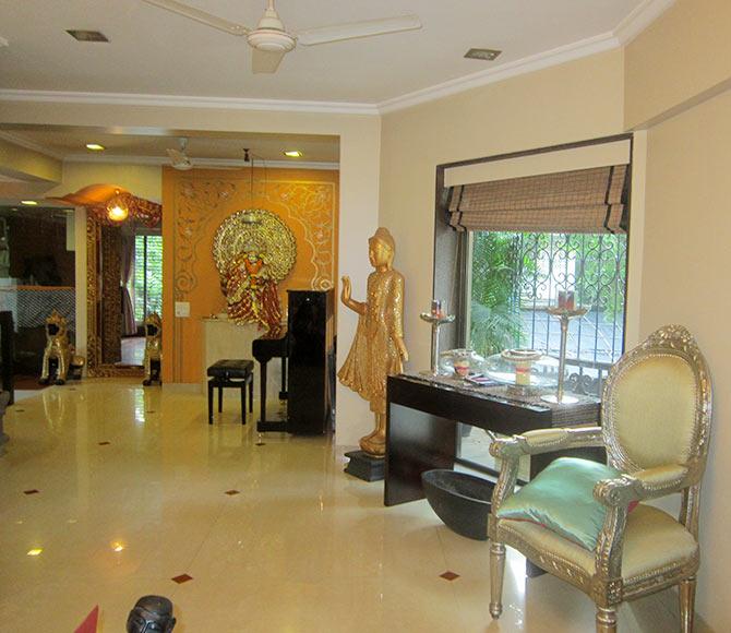 Anuradha Paudwal's home