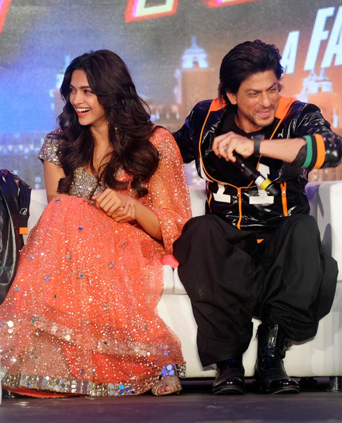 Shah Rukh Khan and Deepika at the trailer launch of Happy New Year