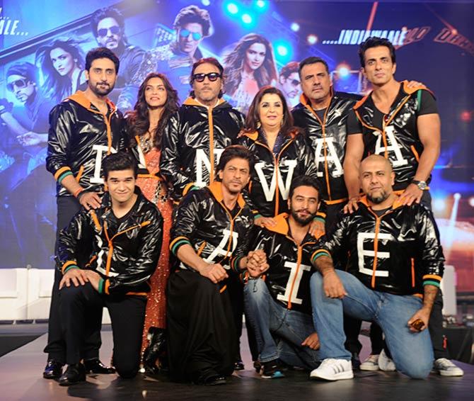 Vivaan Shah, Shah Rukh Khan, Shekhar Ravjiani, Vishal Dadlani, Sonu Sood, Boman Irani, Farah Khan, Jackie Shroff, Deepika Padukone, Abhishek Bachchan at the trailer launch of Happy New Year