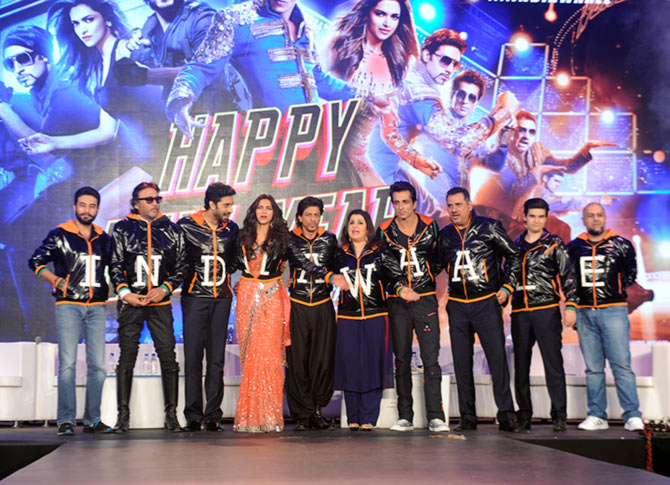 Shekhar Ravjiani, Jackie Shroff, Abhishek Shroff, Deepika Padukone, Shha Rukh Khan, Farah Khan, Sonu Sood, Boman Irani, Vivaan Shah, Vishal Dadlani at the trailer launch of Happy New Year