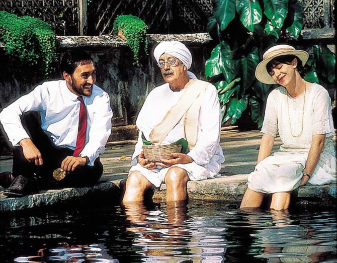 Victor Banerjee, Alec Guinness and Judy Davis in A Passage to India.