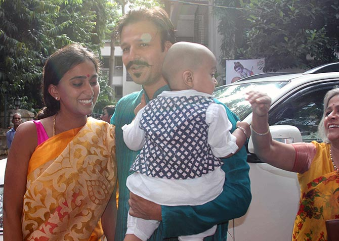 Vivek Oberoi with his family