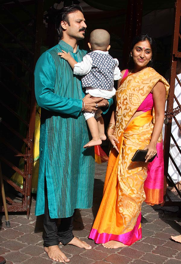 Vivek Oberoi with his son Vivaan Veer and wife Priyanka Alva