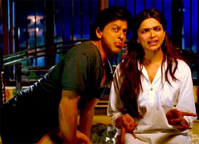 Deepika Padukone with Shah Rukh Khan in Chennai Express