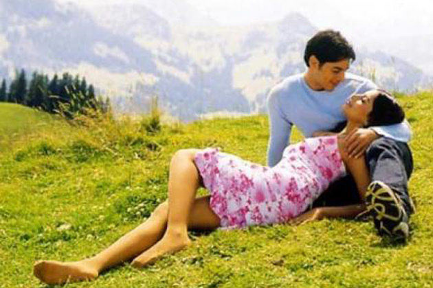 Dino Morea and Bipasha Basu in Raaz