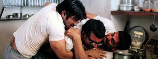 Suneil Shetty, Paresh Rawal and Akshay Kumar in Phir Hera Pheri