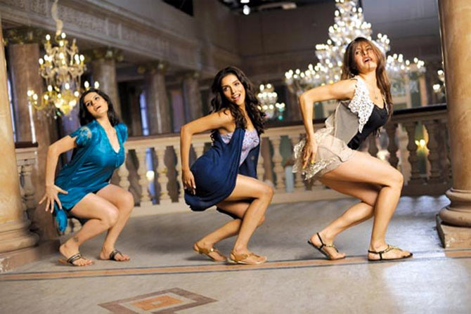 Zarine Khan, Asin and Jacqueline Fernandez in Housefull 2