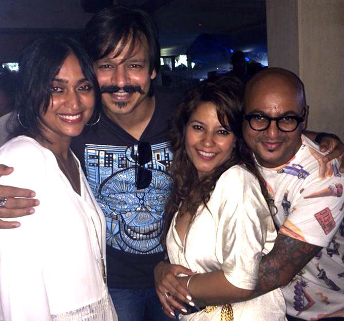 Current Bollywood News & Movies - Indian Movie Reviews, Hindi Music & Gossip - PIX: Vivek, Hrithik at Aalim Hakim's birthday bash