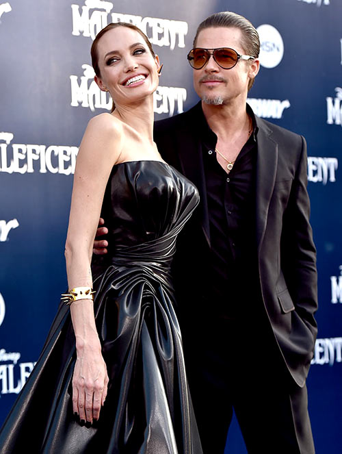 Current Bollywood News & Movies - Indian Movie Reviews, Hindi Music & Gossip - Brad Pitt, Angelina Jolie get married!