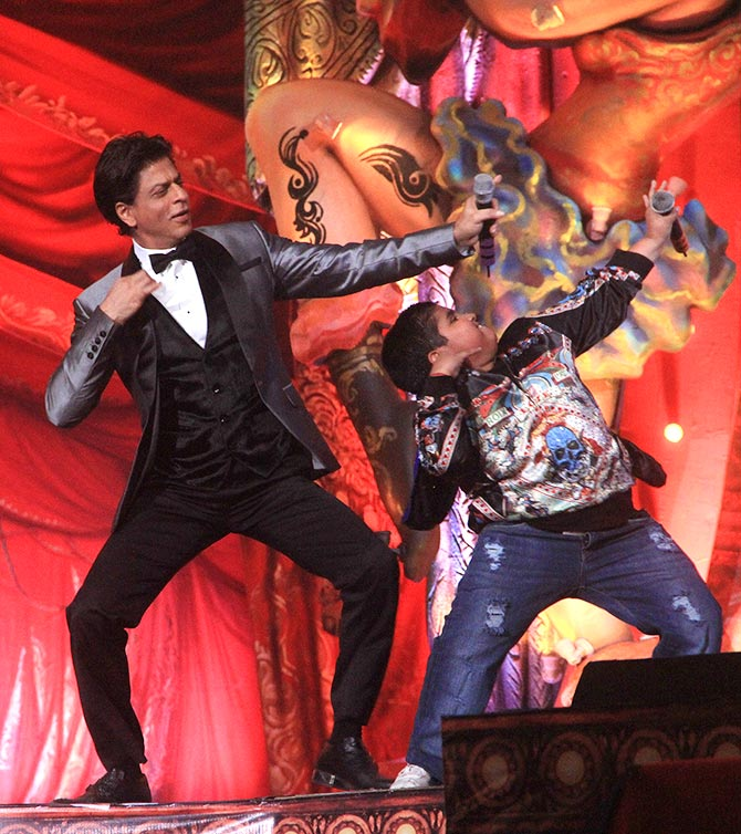 Shah Rukh Khan performs at the Got Talent concert