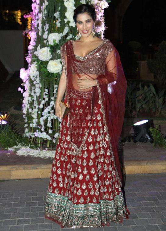 HOLY WOW! Shilpa, Alia, Kareena, Esha stun in gorgeous ...