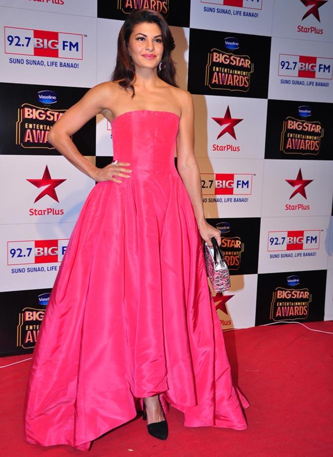 Pix Jacqueline Priyanka Bachchans At Big Star Entertainment Awards Rediff Com Movies
