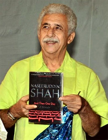Current Bollywood News & Movies - Indian Movie Reviews, Hindi Music & Gossip - VIDEO: Naseeruddin Shah's day out in Bengaluru